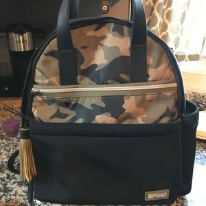 Skip hop camo and black diaper bag